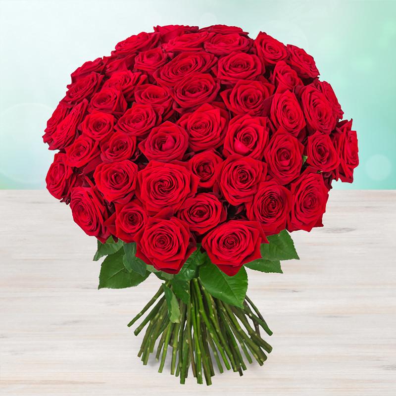 Kytica červených čerstvých ruží